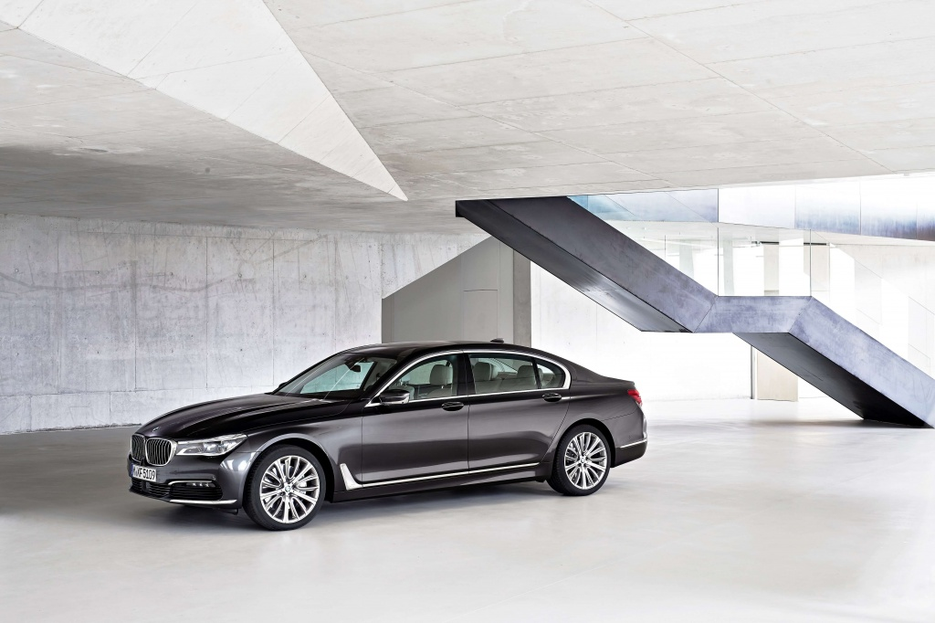 P90178474_highRes_the-new-bmw-7-series-min.jpg